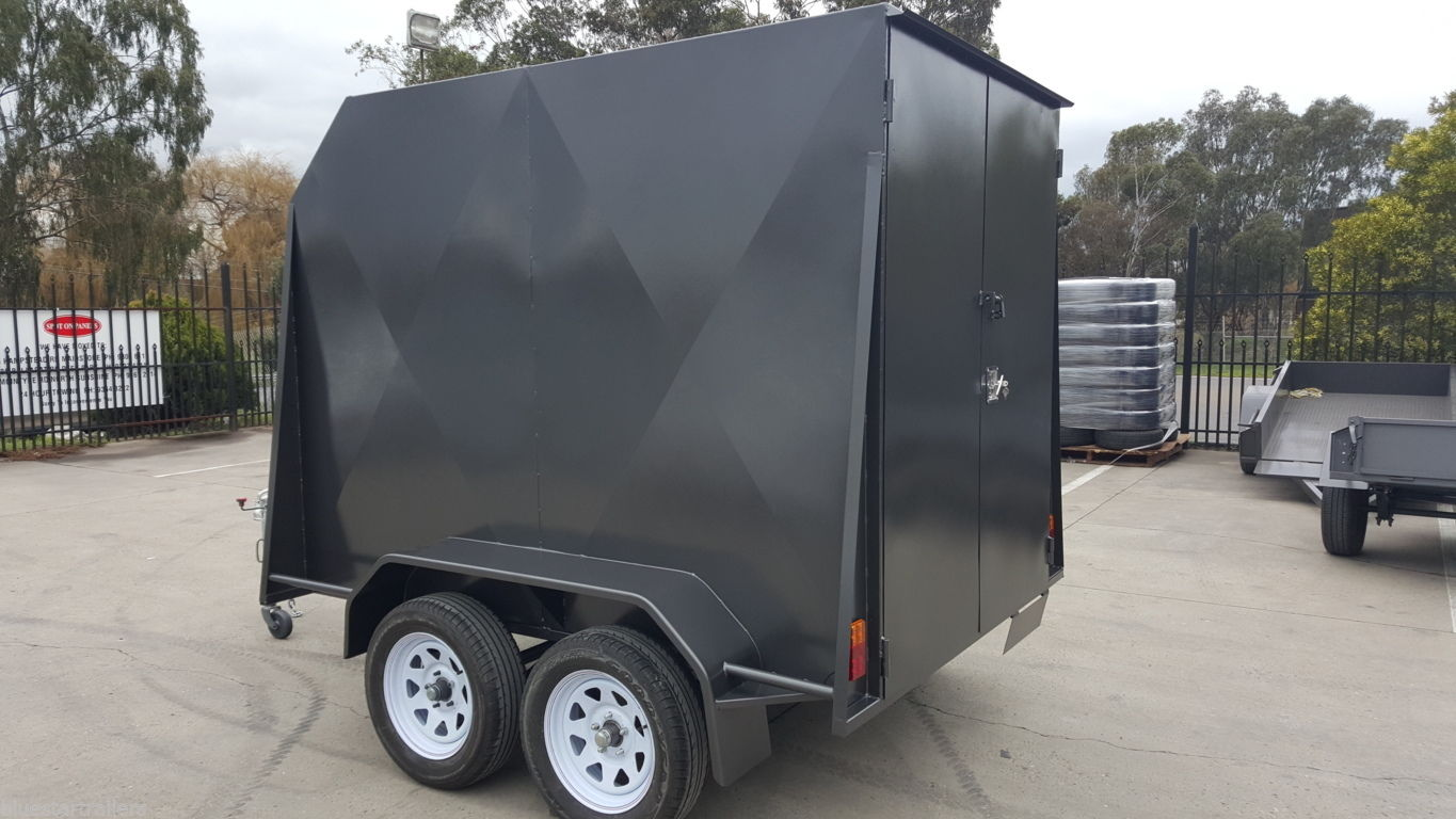 8 x 5 Enclosed Trailer